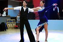 Michaela Pávová se s tanečním partnerem představí votickému publiku při plesu města v sobotu od 20 hodin v sokolovně.