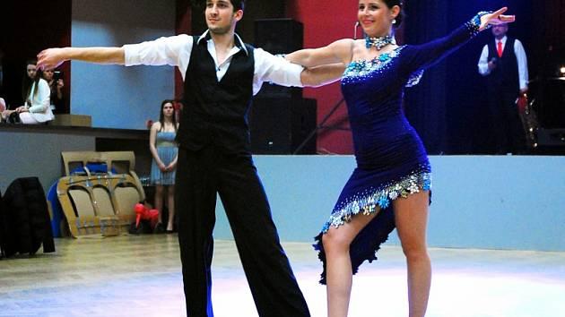 Michaela Pávová se s tanečním partnerem představí votickému publiku při  plesu města v sobotu od 20 ... dbdaaad494