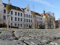 Gymnázium Benešov sídlí v objektu postaveném v letech 1905 – 1907.