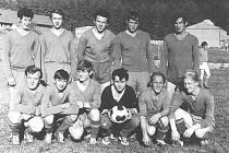 Ostředek, jeden z prvních týmů.