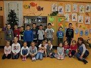Na fotografii jsou žáci ze ZŠ Zabrušany, 1. třída paní učitelky Miluše Vaníkové.