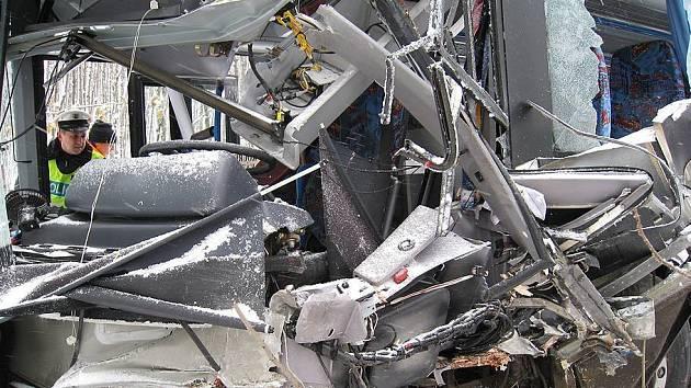 """Ilustrační foto: Spoustu zraněných má """"na svědomí"""" nehoda školního autobusu, k níž došlo v polovině listopadu u Vracovic"""
