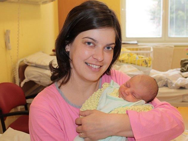 Malá Anna Moudrá se narodila 26. března ve 3.23. Rodiče Miroslava a Petr mají z holčičky velkou radost. Její váha byla 2,34 kg a míra 46 cm.  Doma v Kosově Hoře má sourozence Petra (5,5) a Vojtěcha (3).