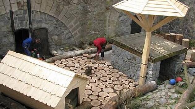 Rekonstrukce medvědího výběhu na zámku Konopiště.