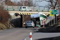 Nehoda kamionu na okraji Benešova v pondělí 25. února 2019.