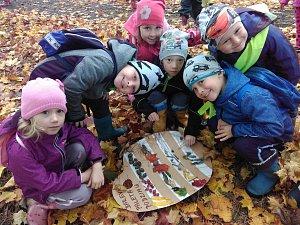 O stromech se více dozvěděly děti z divišovské školky.