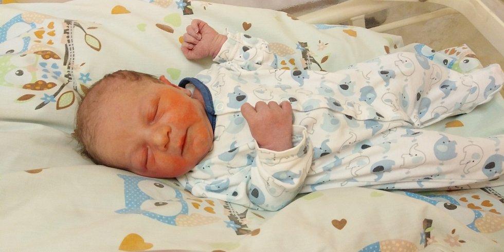 Vašík Oberreiter se poprvé na svět podíval 3. května 2021 ve 4. 12 hodin v čáslavské porodnici. Vážil 3350 gramů a měřil 50 centimetrů. Doma ve Zhoři ho přivítali maminka Barbora, tatínek Václav a dvouletá sestřička Adélka.