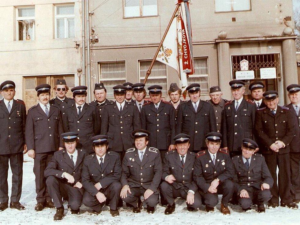 Maršovičtí hasiči při oslavách 100 let trvání sboru.