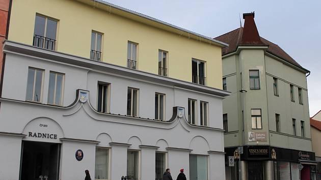Centrum Benešova, objekt č.p. 100 na Masarykově náměstí patří městskému úřadu.