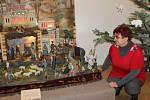 Libuše Váňová u největší chlouby z výstavy Muzea Podblanicka.