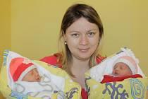 Malá Laura se narodila 11. března ve 21.45. Vážila 2,30 kilogramu a měřila 43 centimetrů. Její sestřička Sofie se také narodila 11. března ve 21.49 a vážila 2 kilogramy s mírou 43 centimetrů. Z prvorozených holčiček se radují rodiče Andrea Mertová a Marek