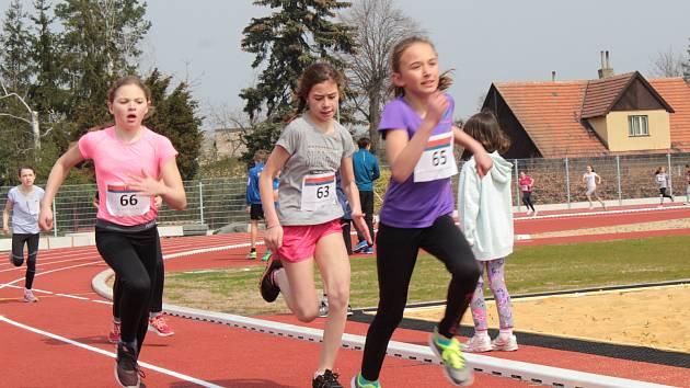 Atletická část závodů Základní školy Jiráskova v Benešově.