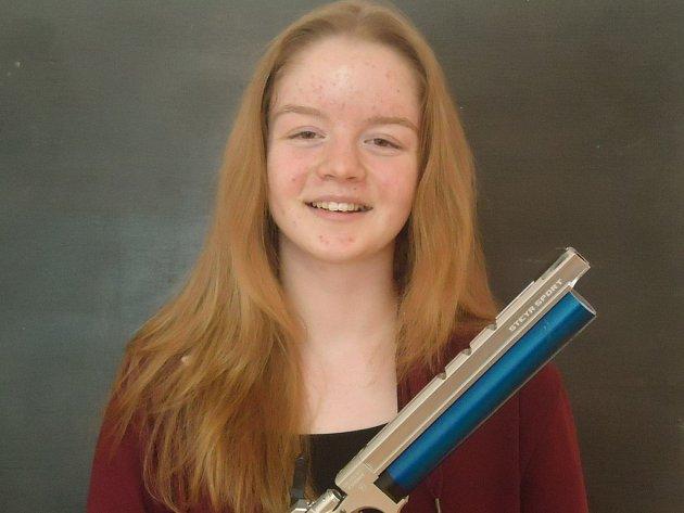 Alžbětu Dědovou přivedla ke střelbě ze vzduchové pistole její starší sestra Anna, která je v současné době členkou české střelecké reprezentace.