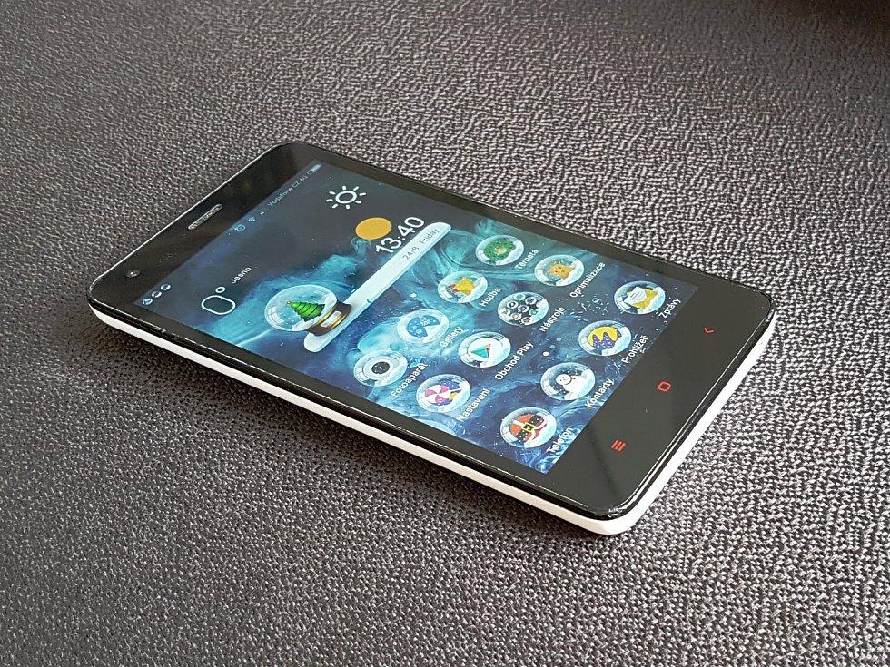 Mobilní telefon, ilustrační foto.