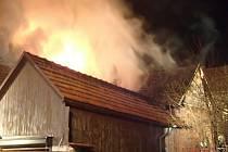 Požárům od hořících sazí v komíně se dá zabránit.