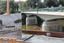 Výstava v týneckém vodáckém centru připomněla plavce na Sázavě.