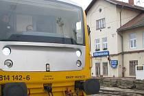 75 procent osobních vlaků Benešov - Tábor zajistí opět dvě jednotky Regionova. Na čerčanské větvi Posázavského Pacifiku jich jezdí sedm. z Ledečka do Kolína tři, zrovna tak ze Zruče do Kutné Hory.