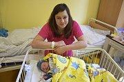 Malý Jan Novotný se narodil 26. dubna v16:35 sváhou 2900 g a mírou 48 cm. Jeho rodiče, Zdeňka Trachtová a Jan Novotný, si jej odvezou domů do Broumovic.