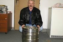 Hlavní cenu podzimní Fortuna ligy 2009, sud piva od pivovaru Ferdinand, získal Miroslav Šmejkal z Neveklova.