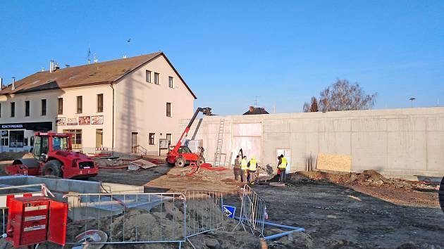 Práce na stavbě benešovského dopravního terminálu ve čtvrtek 16. ledna 2020.