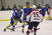 Hokejisté Benešova vyhráli v Poděbradech až po nájezdech.