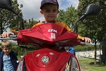 Děti se obeznámily a vyzkoušely si vícero druhů motorek.