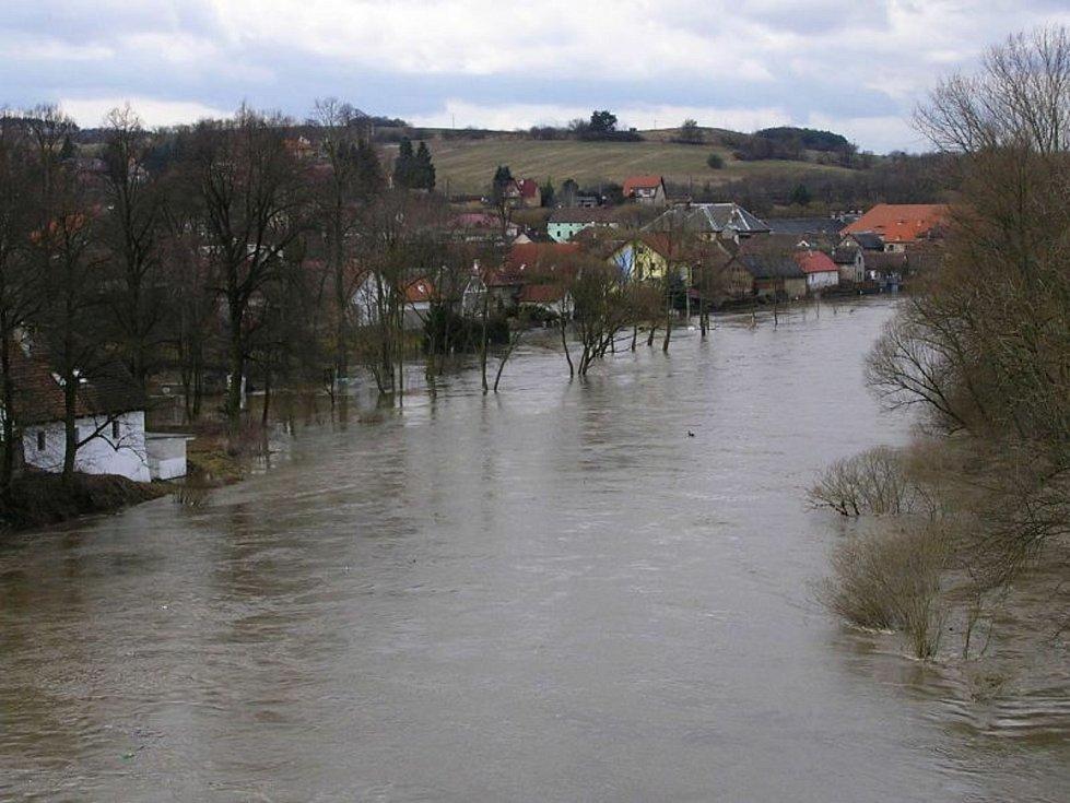 Povodeň v Poříčí nad Sázavou 29. března 2006.
