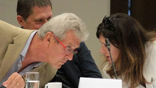 Mimořádné zastupitelstvo Benešova 5. října 2015.