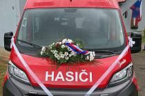 Slavnostní přebírání nového vozidla SDH Jablonná nad Vltavou.