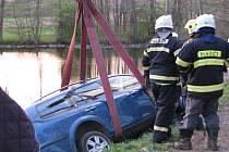 Nedělní nehoda u Vrchotových Janovic blokovala dvě hodiny silnici do Mrvice.