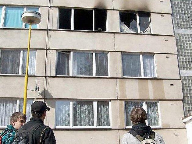 Vlašimský byt Vladimíry Husníkové krátce po uhašení požáru.
