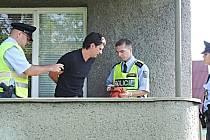 Zloděj zadržený při vykrádání rodinného domu.