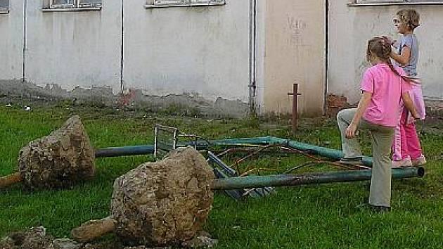 Bystřice, konec prolézaček v Družstevní ulici.