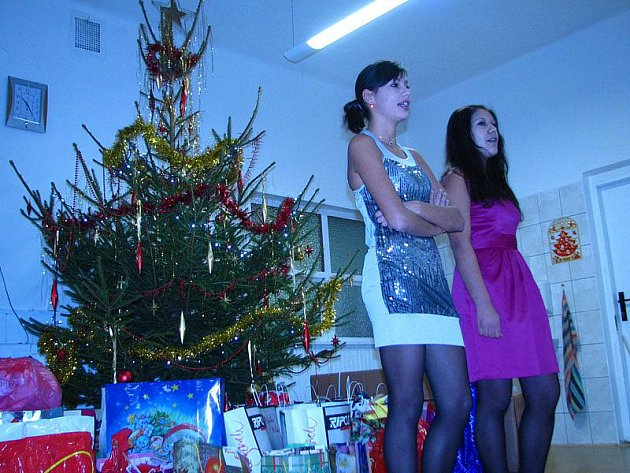Vánoční nadílka v Dětském domově Racek.