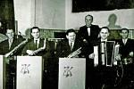 Hudební skupina ZK Blaník na snímku asi zroku 1960. Hudebníci: zleva Jan Zvára, Vladimír Michálek, Miroslav Zvára, Vladimír Had, Josef Havelka a Jiří Hrdlička.