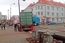 Nehoda na křižovatce benešovských ulic Jiráskova a Husova.