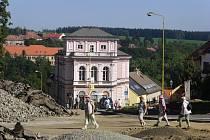 Centrum Vlašimi je jedno velké staveniště