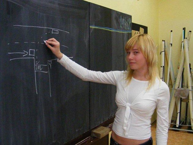 Studenti osmé třídy ZŠ Jiráskova řeší křižovatky
