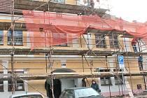 Za rekonstrukci pláště staré radnice zaplatí městský úřad přes 940 tisíc korun (1 138 389,96  vč. DPH).
