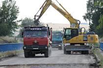 Rekonstrukce dálnice u Ostředka a s ní i potíže tamních obyvatel hned tak neskončí.