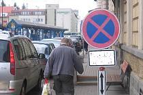 Zákazy zastavení budou od nádraží až k pivovaru. Ilustr.foto.