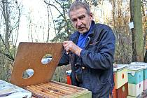 Koníčkem Jaroslava Fürbacha z Bezoušky u Nahorub je včelařství, rád má ale také historii rodného kraje nad Vltavou.