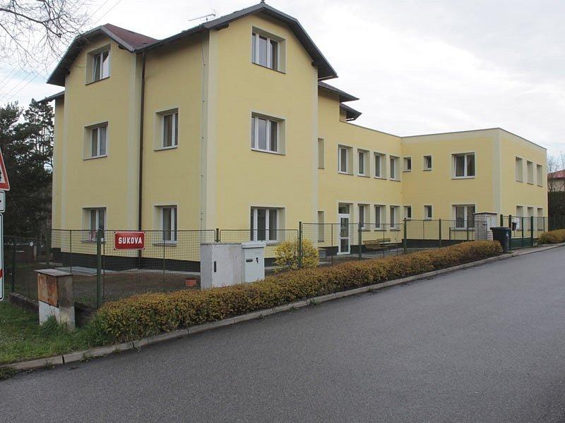 Ve stávajícím Domě s pečovatelskou službou je polovina bytů neobsazených.