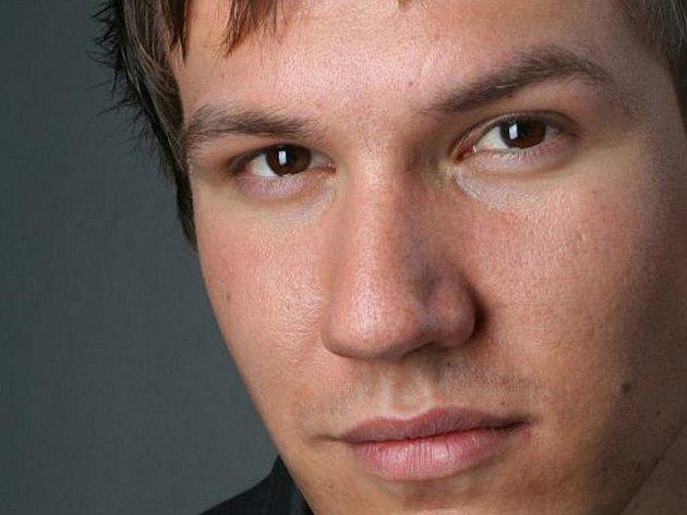 Moderátor a programový ředitel rádia Kiss jižní Čechy.