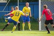 Dominik Němec právě střílí jediný gól zápasu.