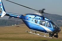 Posádka vrtulníku hlásila přestupky řidičů pozemním hlídkám.