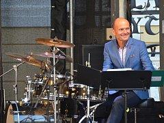 DG Sextet spolu s Daliborem Gondíkem předvedli na nádvoří zámku nezapomenutelnou show.