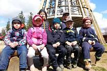 """Přestože děti z Krhanic neskončily """"na bedně"""", skvěle se bavily."""