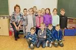 Žáci první třídy ze ZŠ Olbramovice s třídní učitelkou Alenou Typtovou.