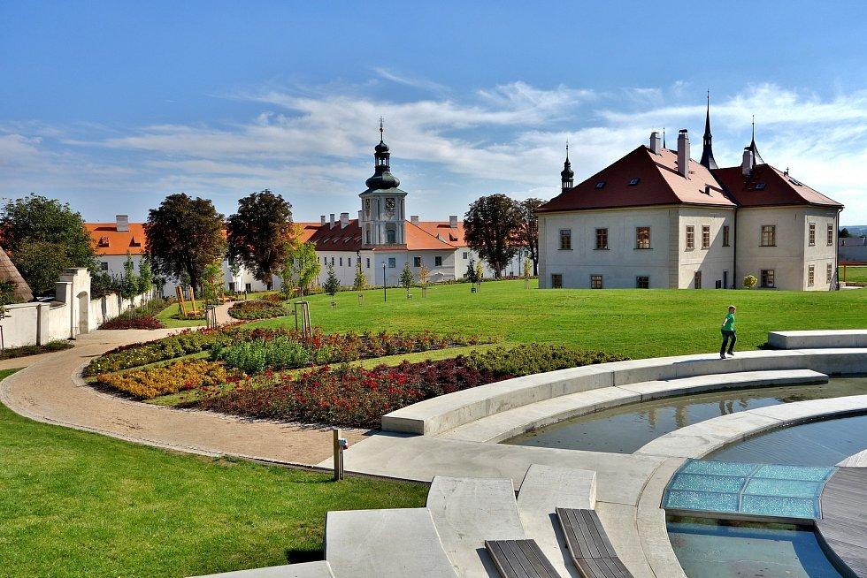 Výstavní program na rok 2018 i doprovodní programy pro letošní rok představila ve čtvrtek Galerie Středočeského kraje v Kutné Hoře – GASK. Na snímku vodní pódium v zahradách GASK.